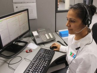 911 call dispatcher for emergency